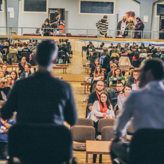 http://konferencja.alphapolska.org/wp-content/uploads/2016/10/Konferencja_2015-80_o-540x540.jpg