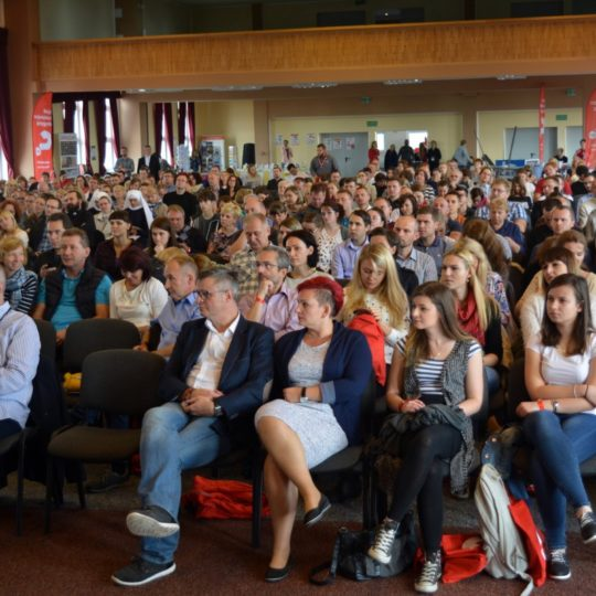 http://konferencja.alphapolska.org/wp-content/uploads/2017/07/2016_43-540x540.jpg