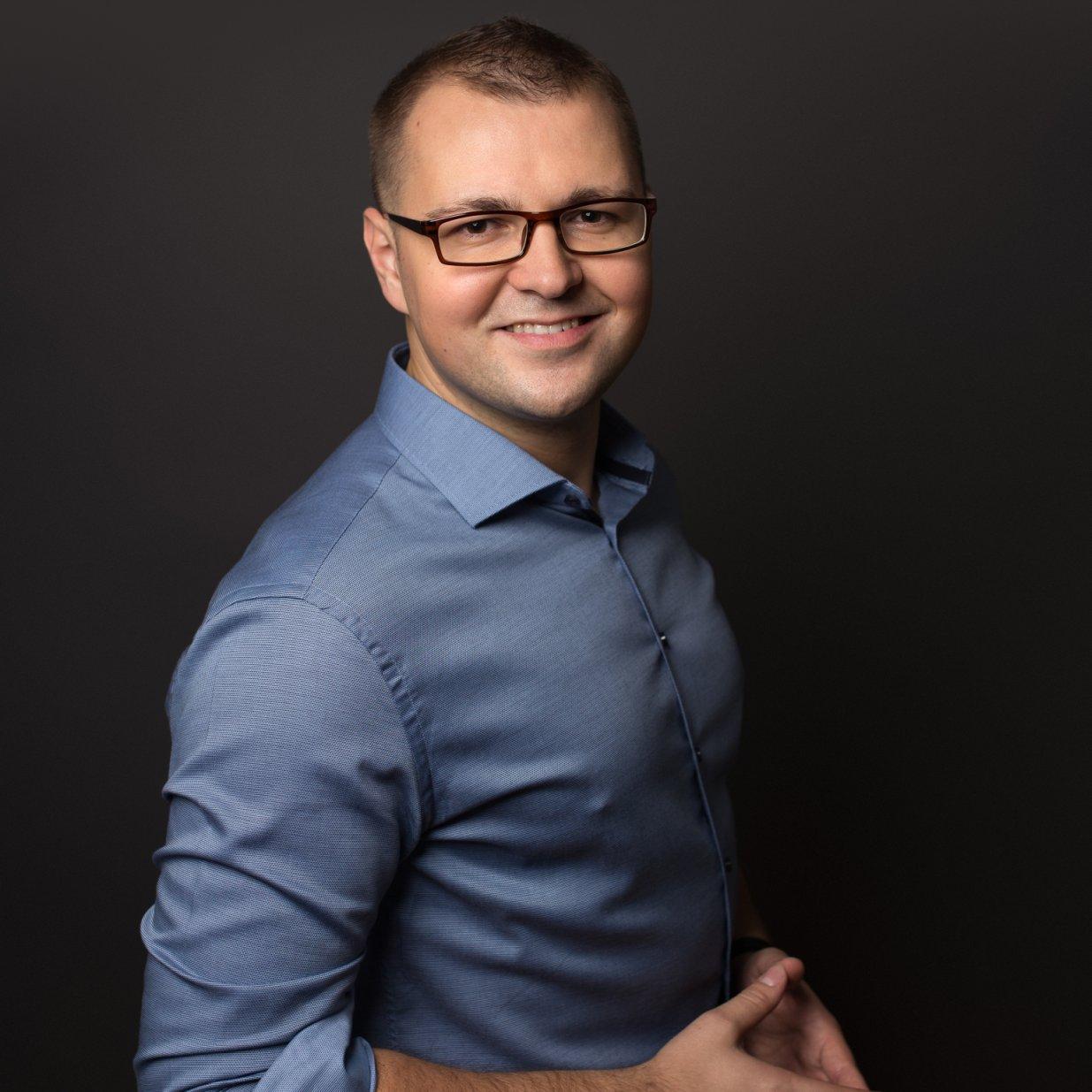 http://konferencja.alphapolska.org/wp-content/uploads/2019/09/2019_Karol_Sobczyk.jpg